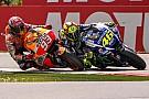 Che finale ad Assen: Valentino batte Marquez in volata
