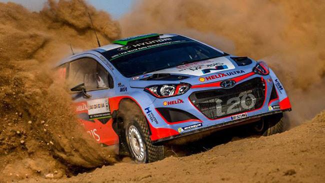 WRC, Sardegna, PS2: Paddon vola, Meeke subito fuori
