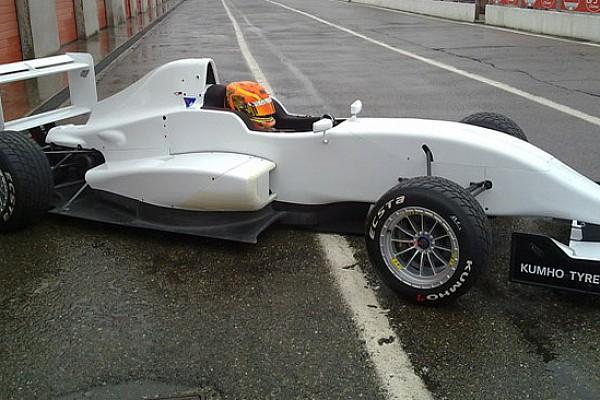 Esordio bagnato per la Tomcat Racing
