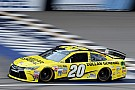 Matt Kenseth conquista la pole in Michigan