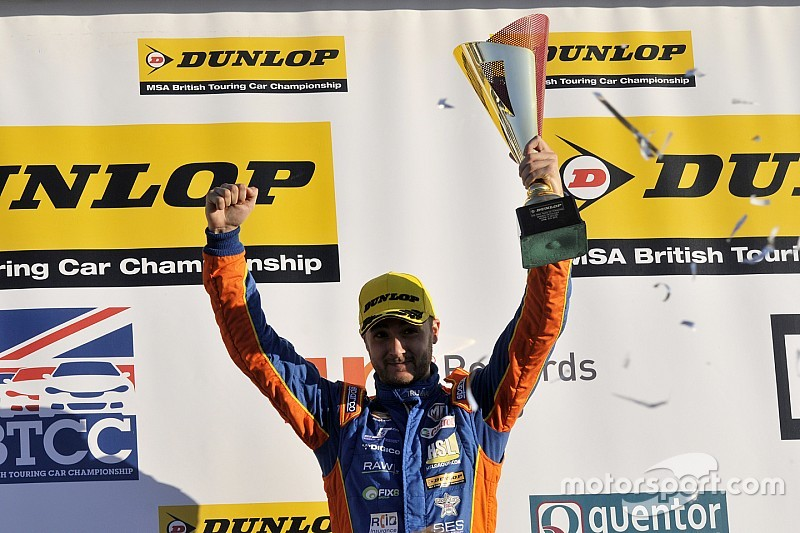 غوف يحقق أول فوز له في بطولة بي تي سي سي