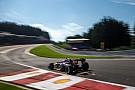 В Mercedes посоветовали Lotus ограничить работу двигателя
