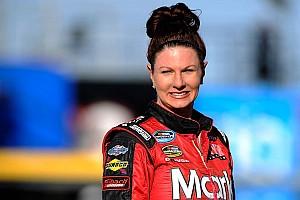 NASCAR Truck Actualités Jennifer Jo Cobb pénalisée pour avoir son téléphone portable en piste