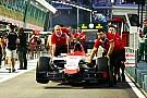 EL1 - Rossi débute dans le mur; Ricciardo entre Mercedes et Ferrari