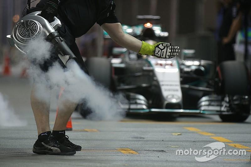 """Hamilton """"doute"""" de pouvoir repasser Red Bull et Ferrari en course"""