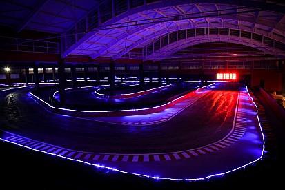 """Com """"túnel de Mônaco futurista"""", SP inaugura kartódromo"""