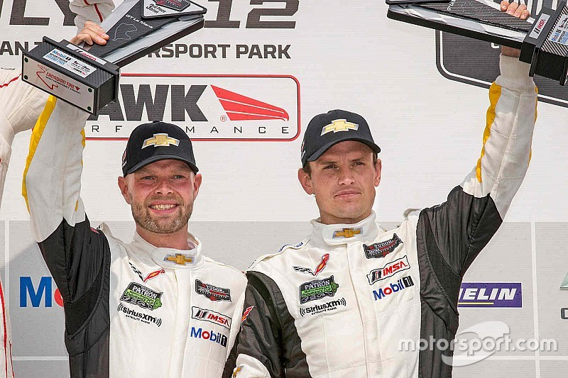 Corvette mantiene su alineación de pilotos para 2016