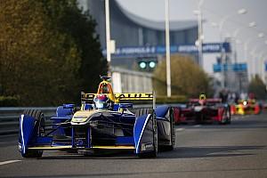 Formule E Résumé de course Course - Buemi gagne, Heidfeld évite un drame du dernier tour!