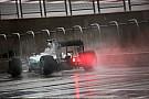 Хэмилтон быстрее всех в дождливом Остине