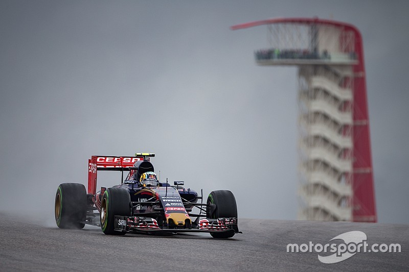 Carlos Sainz mist mogelijk de race na crash in kwalificatie
