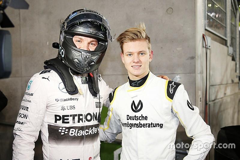 Rosberg aconseja a hijo de 'Schumi' divertirse en la pista