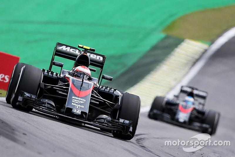 """McLaren travaille """"nuit et jour"""" pour """"changer les choses"""""""