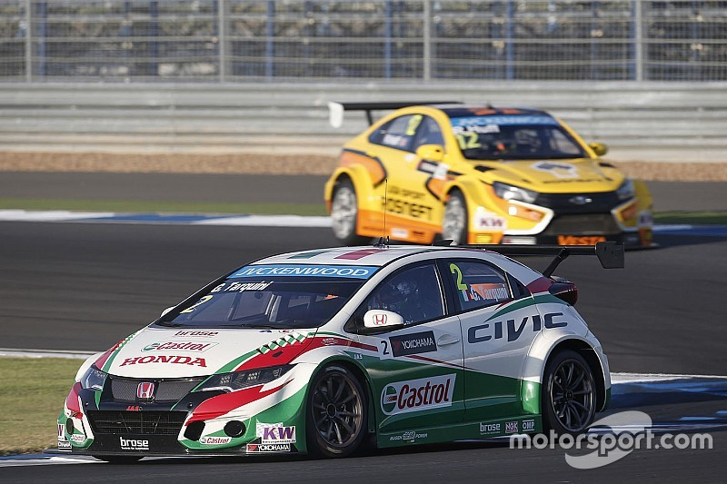 Tarquini weg bij het WTCC-team van Honda