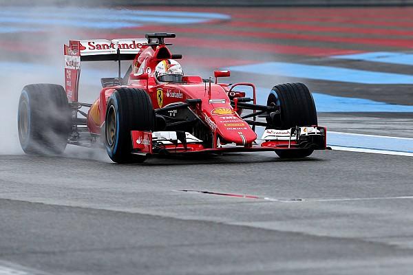 Formel-1-Test auf abtrocknender Strecke: Sebastian Vettel an der Spitze