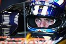 FIA verbiedt F1-coureurs tear-offs op de baan te gooien