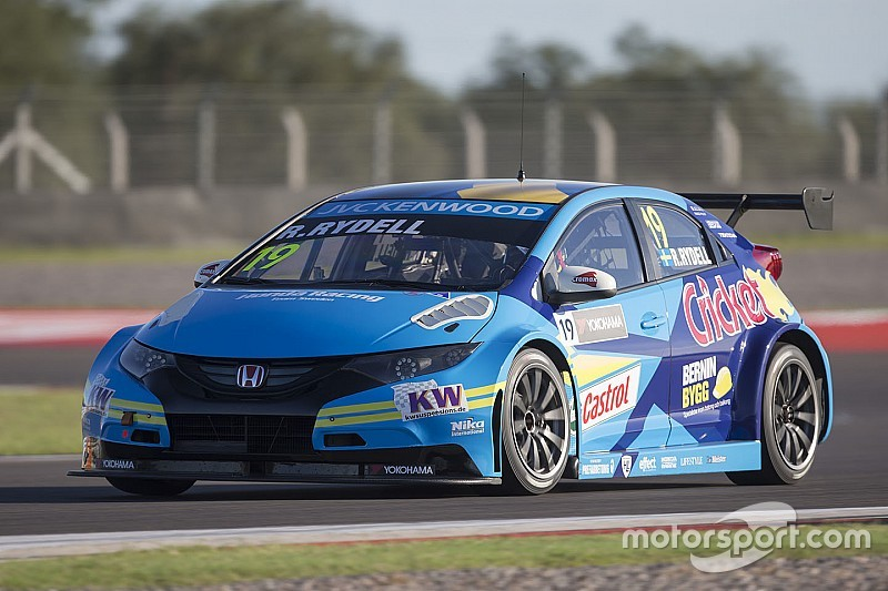 Nika WTCC team to skip season opener