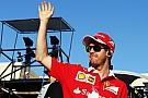 """Vettel valt stil in opwarmronde: """"Heel frustrerend"""""""