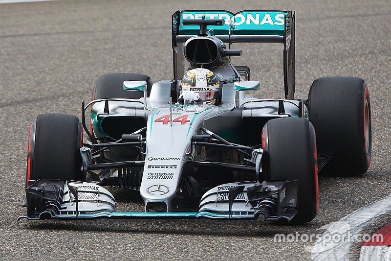 La Mercedes cambia la power unit a Lewis Hamilton
