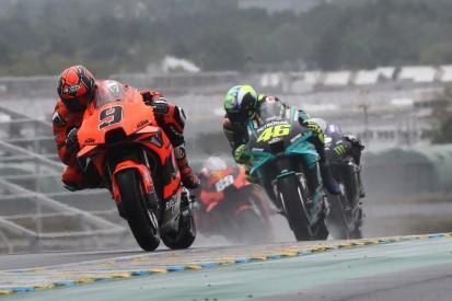 Tech 3 beim Heimrennen in den Top 10: Petrucci und Lecuona glänzen im Regen