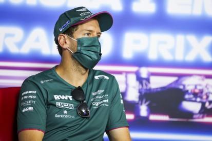 Sebastian Vettel: Podium mit ein paar Drinks beim Abbauen gefeiert