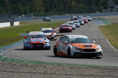 TCR Germany Hockenheim: Cupra-Pilot Eric Scalvini dank Sieg wieder Zweiter