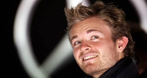 Rosberg Schumacher'i savundu