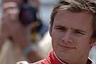 Hamilton ve Button Wheldon'ı kaybetmenin üzüntüsünü yaşıyor