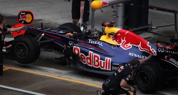 Vettel: Yarışı ara lastiklerle bitirebilirim!