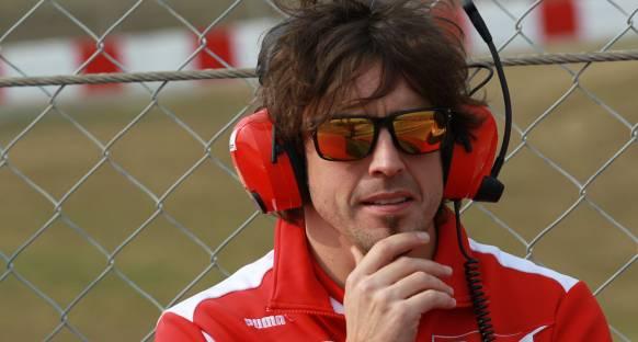 'Alonso Vettel'i defalarca kutladı'