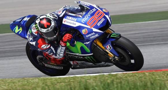Motegi'de Yamaha savaşı, Lorenzo ilk sırada