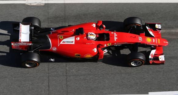Vettel, Williams ve Red Bull ile yakın mücadele bekliyor