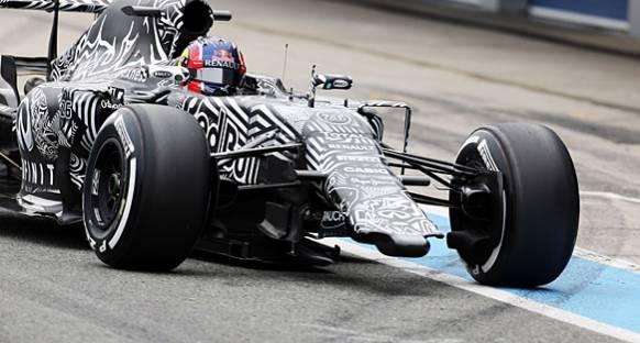 Red Bull, yeni aracı ön kanatsız test ediyor