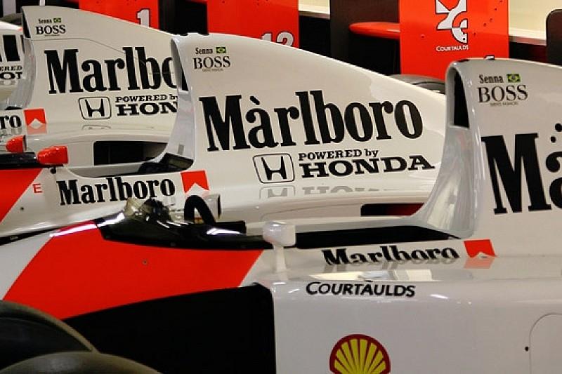 McLaren Honda выезжает на трассу