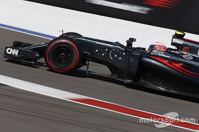McLaren in Spagna con nuovo fondo, ali e carrozzeria diverse