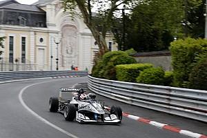F3 Europe Últimas notícias Pedro Piquet escapa de acidente e pontua na corrida 3 em Pau