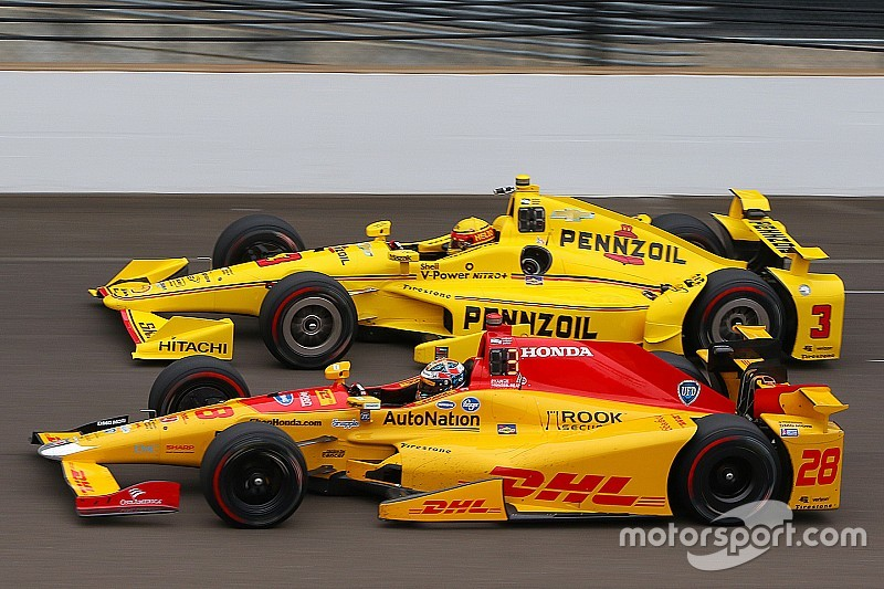 Ryan Hunter-Reay lidera el miércoles en Indy