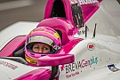 Pippa Mann choca durante la primera calificación de Indy 500