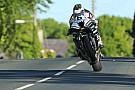 TT 2016, Michael Dunlop vince in SBK e fa la storia