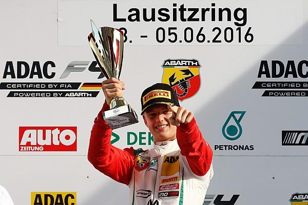 Fórmula 4 VÍDEO: veja show de filho de Schumacher na F4 alemã