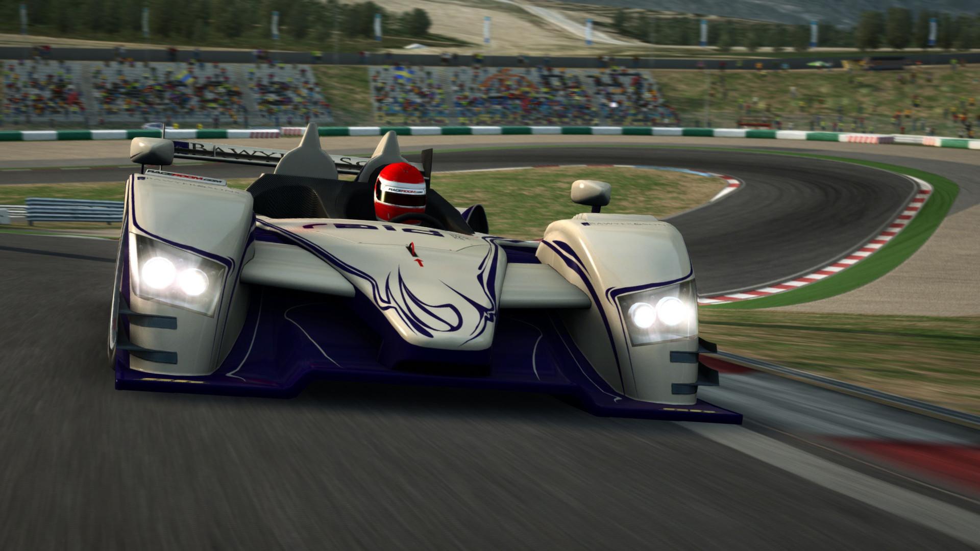 Élőben szimulátorozik az F1-live.hu: Virtuális versenyzőnek áll a stáb! Csatlakozz és figyeld őket ÉLŐBEN! (16:00)
