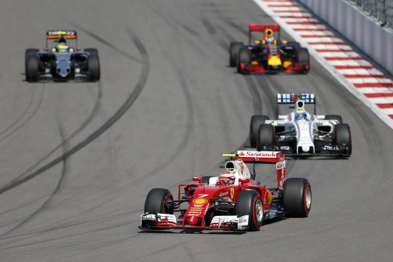Videón Raikkönen startja az Orosz Nagydíjról: felzabálta a Williamst, és még a Mercedes is meglehetett volna