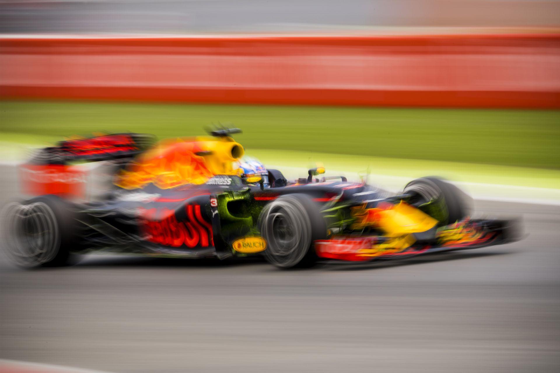 Ricciardo szerint a Red Bull nem nyerette meg a Spanyol Nagydíjat Verstappennel