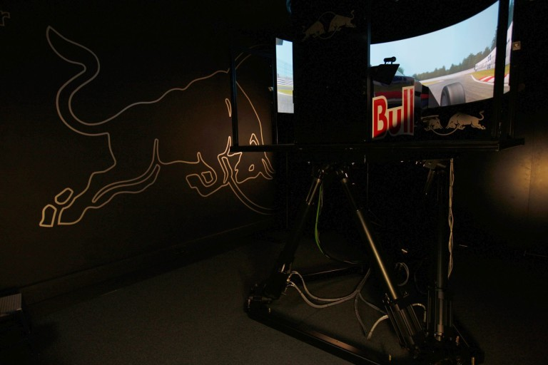 A Red Bull bármikor tesztelhet, bármelyik pályán – egy terület, amiben az élen járnak