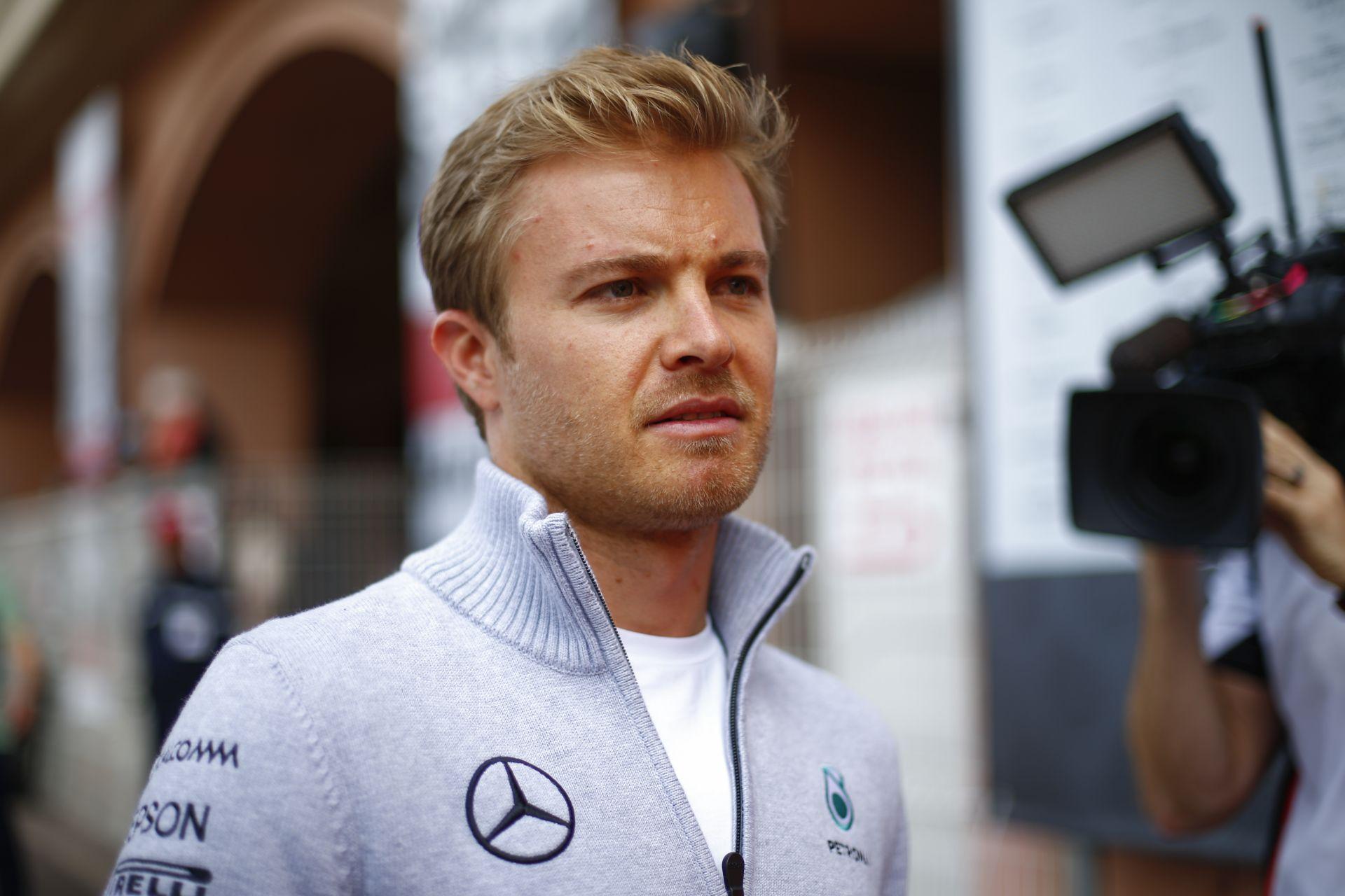 Rosberg sokkot kapott a kamerák előtt - nem ad interjút Verstappen drukkernek!