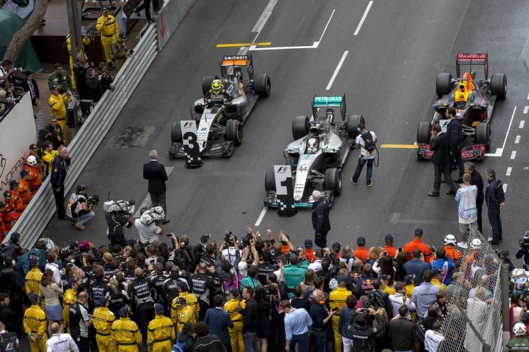 Számok Monacóból: Hamilton - 44 & 10, Ricciardo - 1, Mercedes - 50...