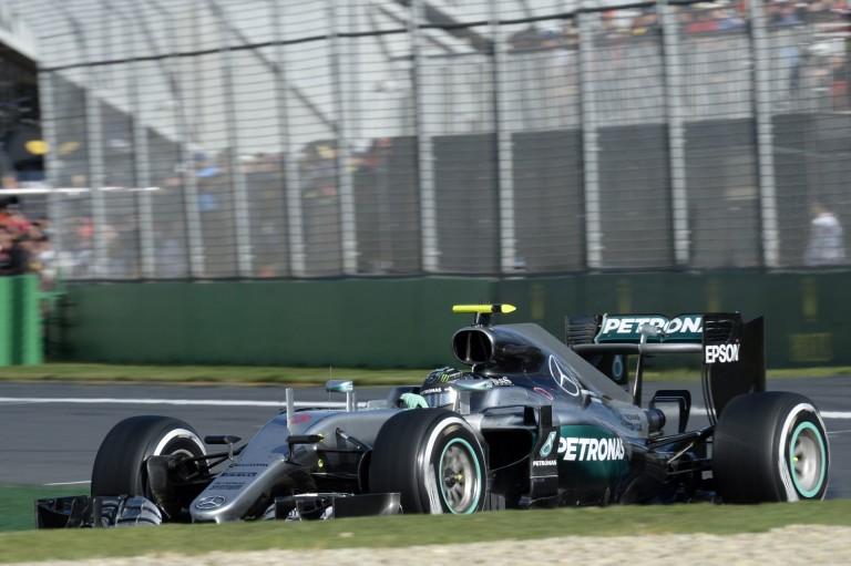 A Mercedes már a Bahreini Nagydíj első edzésén megdöntötte a tavalyi pole időt!