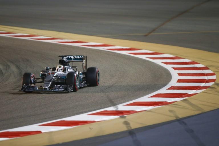 Hamilton végül legyőzi Rosberget, mint tette azt Ali Foreman ellen