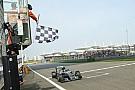 Mercedes: Rosberg jól rajtolt, de Ricciardo még jobban...