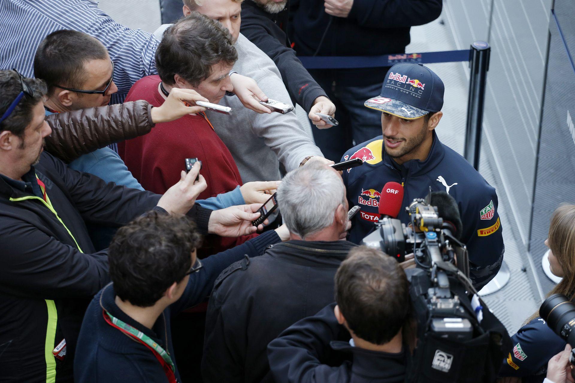 Hópehely és magángép: Ricciardo 21 futamot fog nyerni idén