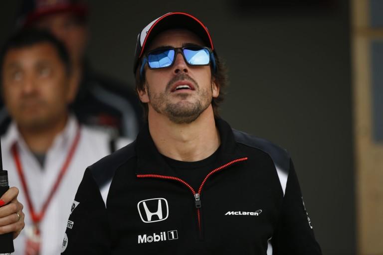 Warm-up: Alonso égi jele, Raikkönen nagy sansza, borzalmas F1-es szabályok